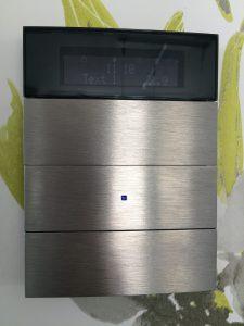 KNX Taster mit Raumtemperaturregler