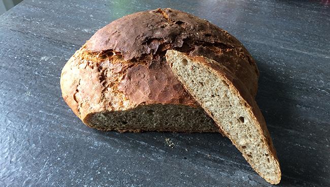 Brot backen im Dutch Oven - Das Brot