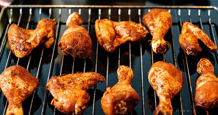 Chicken Wings auf dem Rost