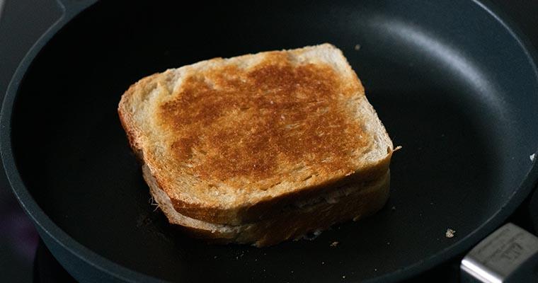 Thunfisch-Sandwich: fertig gegrillt