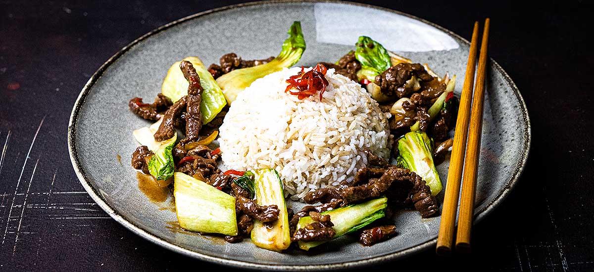 asiatisches Rindfleisch mit Pak-Choi